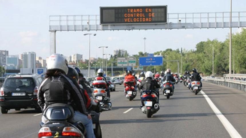 17 multados por no utilizar el casco en la última campaña de motos